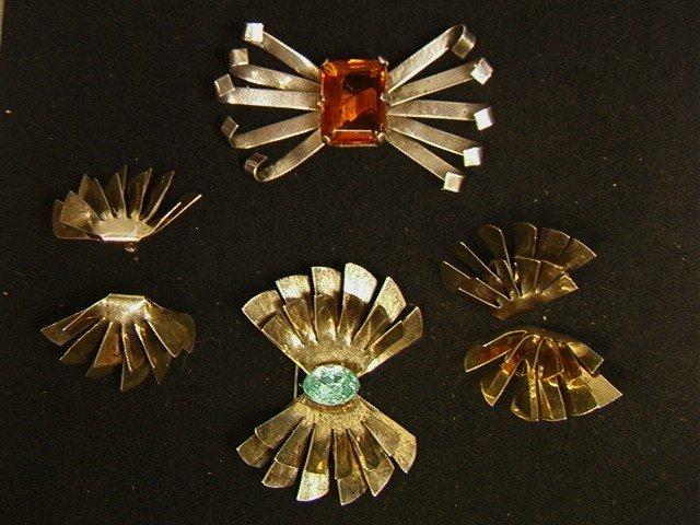 28: 4 pc Vintage Art Deco Sterling Pin & Earring Lot.