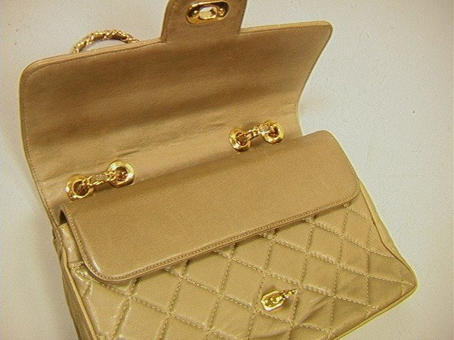 482: JH Quilted Leather Vintage Handbag Purse. Chanel - 3