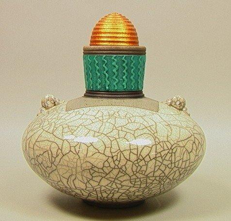 16: American Studio Pottery Lidded Urn. Eggshell Crac