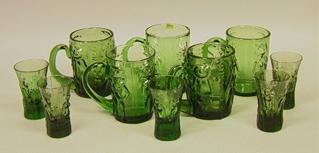 19: 10 pcs ERIK HOGLUND for BODA Green Glass Beer Mug