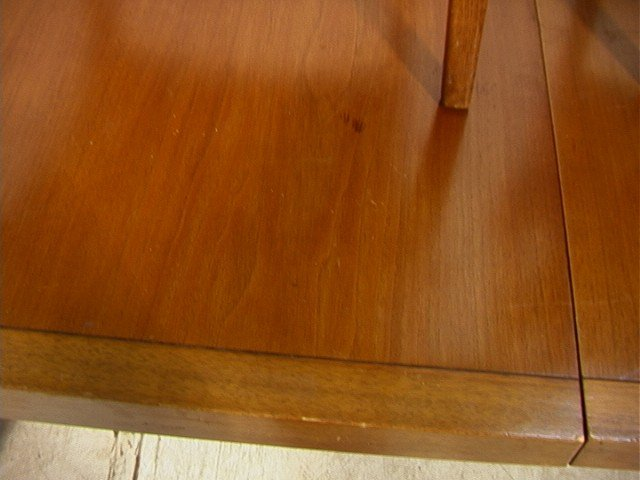 645: PROFILE by DREXEL Dining Set. Dining Table with 6 - 7