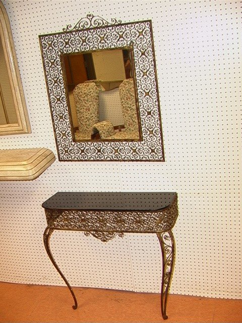 201: Fancy Decorative Hall Table with Mirror. Wall Mou