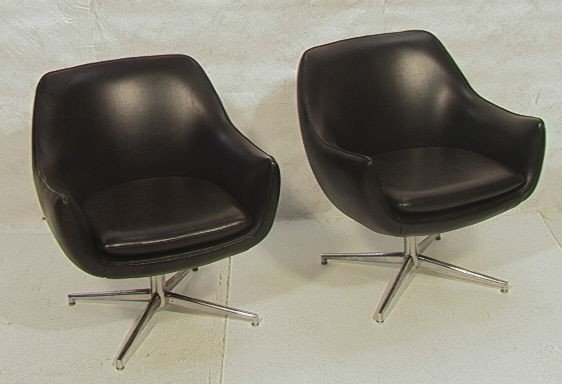 7: Pair Swivel Lounge Chairs.  Stow and Davis Bubble