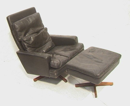 333: Spilka A/S Norway Modern Lounge Chair And Ottoman