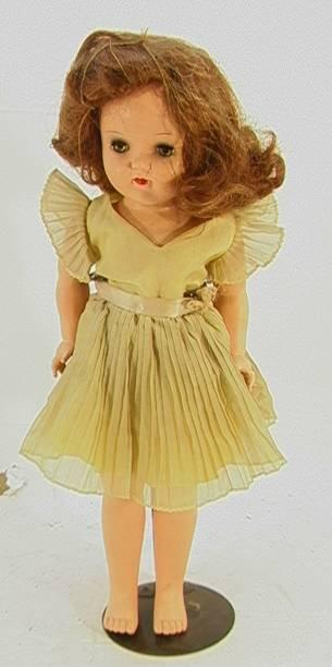 24: Ideal Doll P -92 19 inchesSleepy eyes Pleated dress
