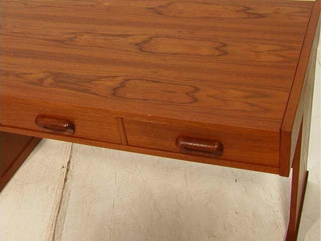 169: VI-MA MOBLER Danish Modern Teak Wood Desk. Three - 3