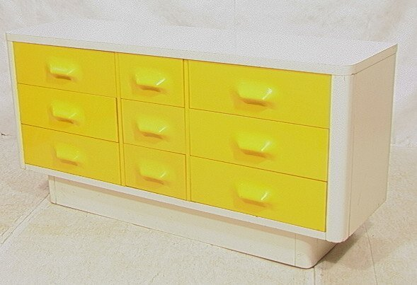 689: BROYHILL Yellow & White Plastic Dresser. Molded y