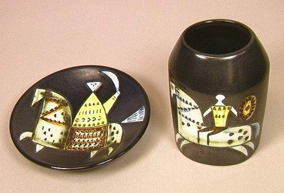 17: LISA LARSON Gustavsberg 2 PCS Pottery Lot. Plate