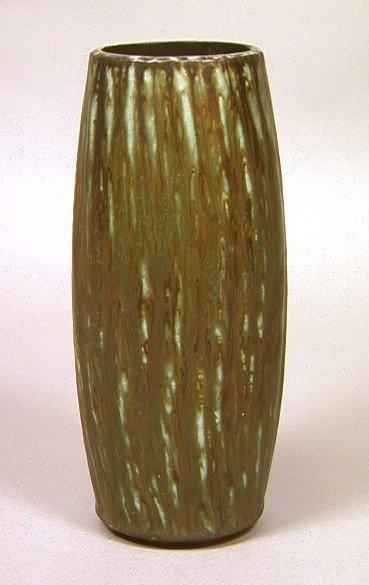 22: GUNNAR NYLUND for RORSTRAND. Sweden. Pottery vase