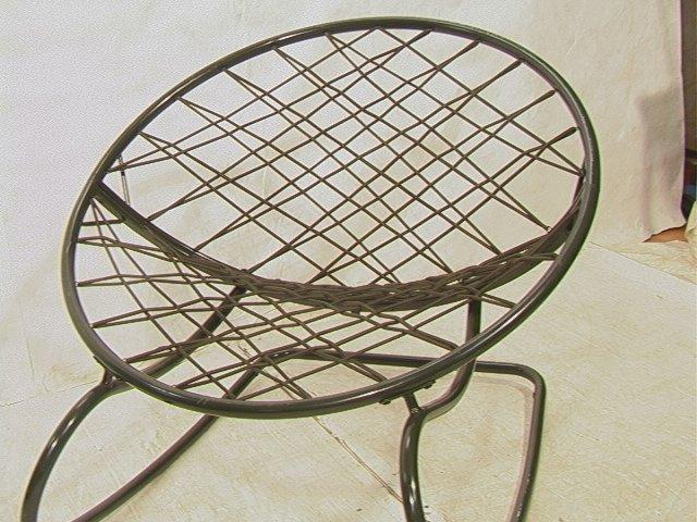 629: Green Bungee Cord Rocking Chair. Metal Circle Fra - 2