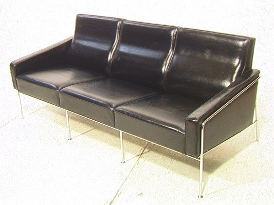 268: ARNE JACOBSEN Model 3300 Sofa Couch.  Chrome and