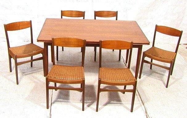 341: MM MOREDDI Danish Teak Dining Table. 6 Chairs. Re