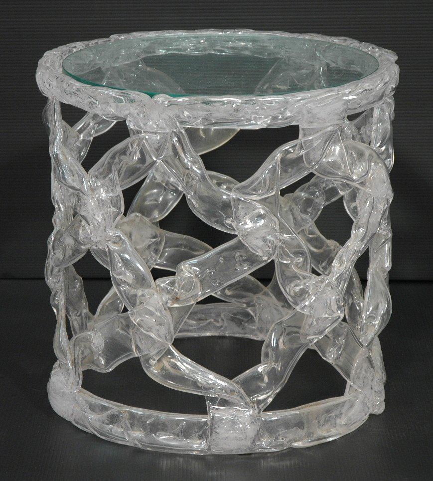 TONY DUQUETTE Clear Taffy Table. Inset round glas