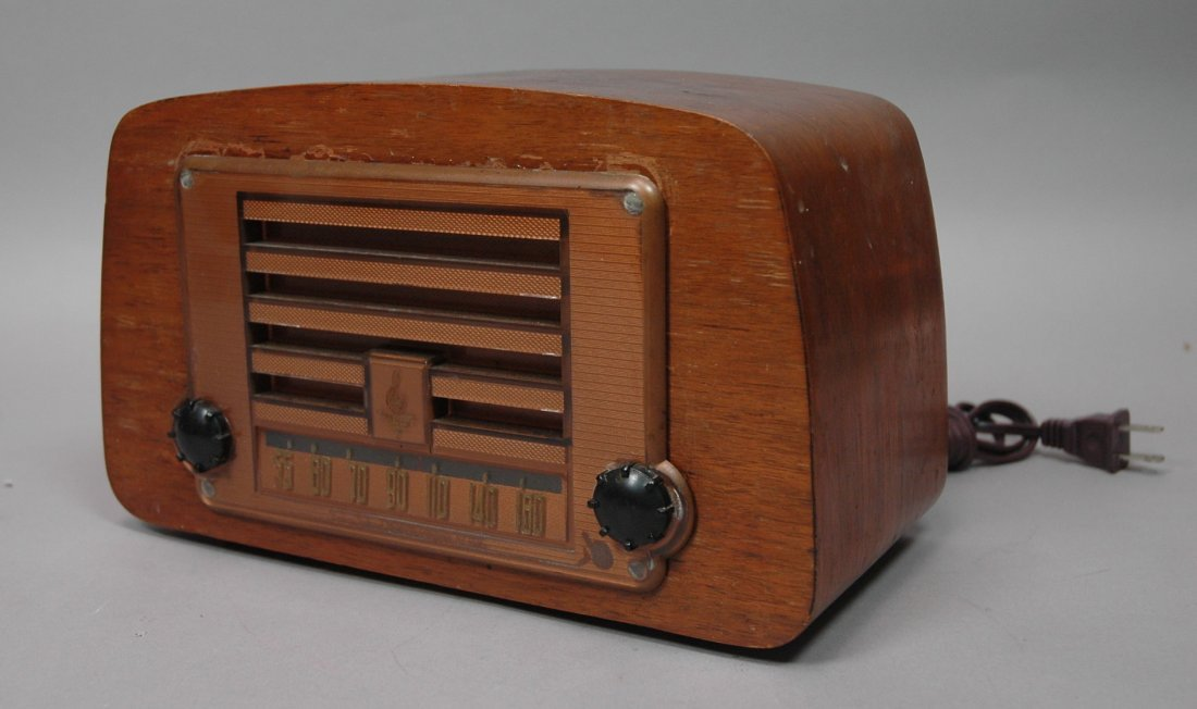 EMERSON Wood Radio. by CHARLES EAMES. Vintage.
