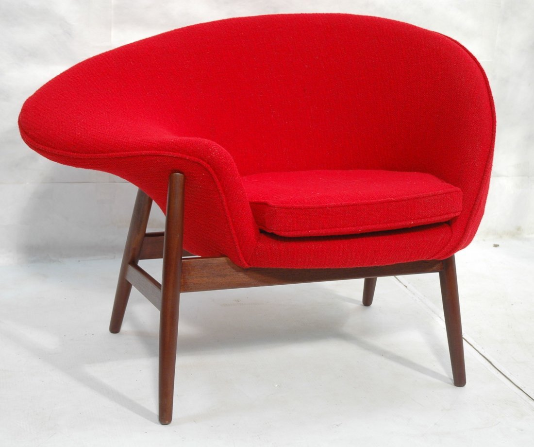 & HANS OLSEN Fried Egg Chair. Red Upholstery. Teak