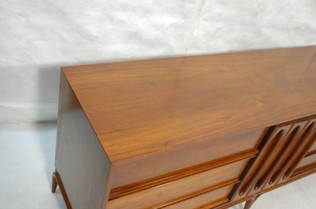 DANIEL JONES, NYC Dresser Low Chest. Sculpted fro - 3