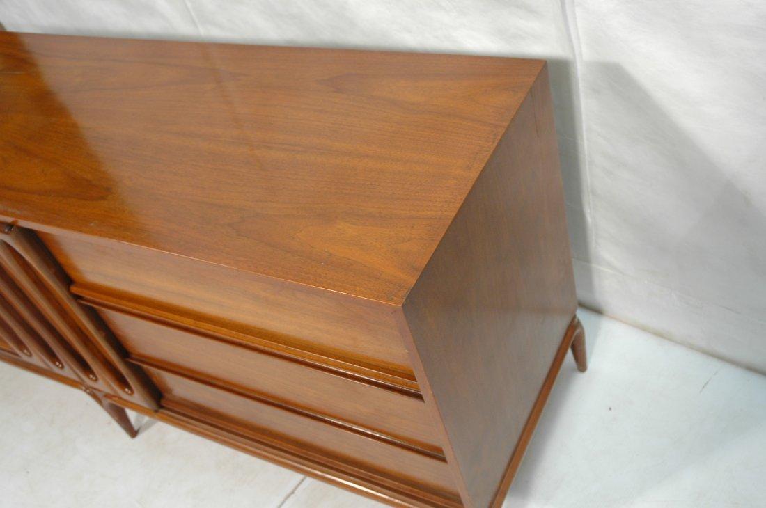 DANIEL JONES, NYC Dresser Low Chest. Sculpted fro - 4