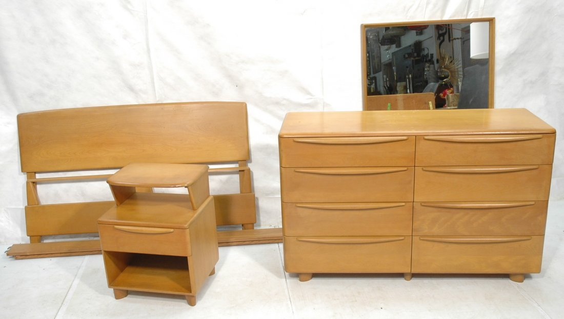 5pc HEYWOOD WAKEFIELD Bedroom Set. Champagne Colo