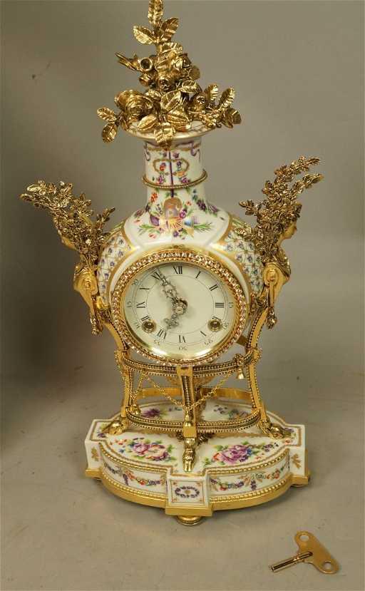 fee808f4249e Franklin Mint Marie Antoinette Clock. Painted ca