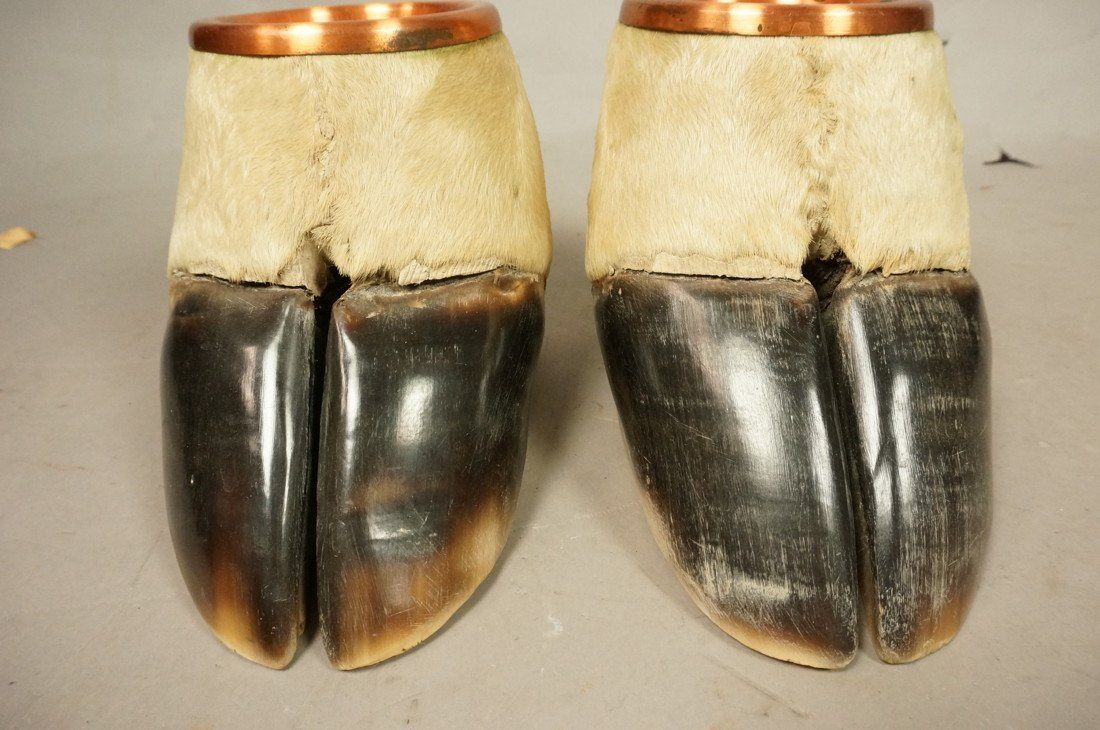 Pair Giraffe Hoof Ashtrays.  Copper lines. Taxide - 6