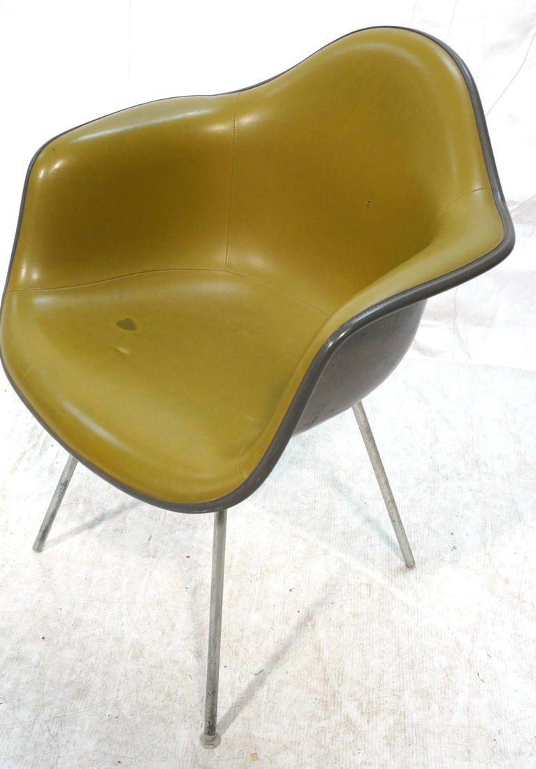 EAMES Herman Miller Shell Chair. Vinyl covered fi