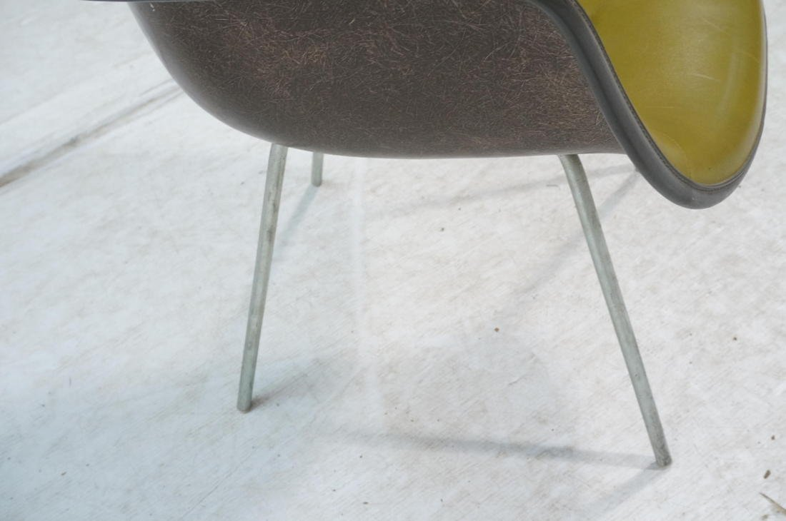 EAMES Herman Miller Shell Chair. Vinyl covered fi - 5