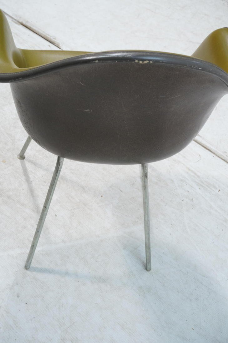 EAMES Herman Miller Shell Chair. Vinyl covered fi - 6