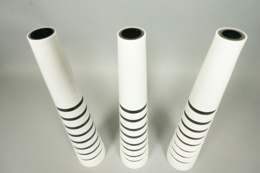 Set 3 SALVIATI Art Glass Murano Vases. White Cone - 2