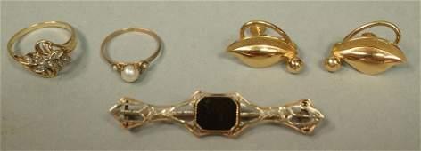 5pc 10K Gold Jewelry Lot. 1) Pr Gold leaf earring