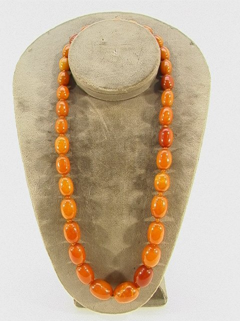 11: Hand knotted AMBER Bead NECKLACE. Graduated amber b
