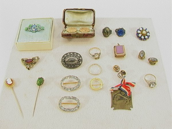 13: 19 pc VICTORIAN Jewelry: silver, Gold, LALIQUE. Lot