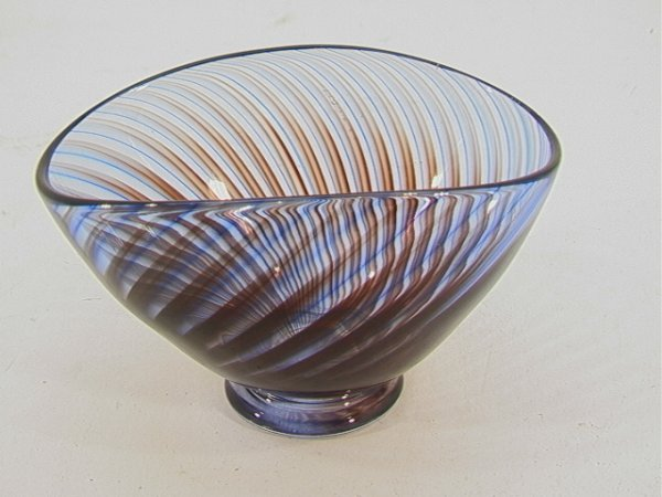509: Delicate KOSTA Art Glass Footed Low BOWL.  Swirl d