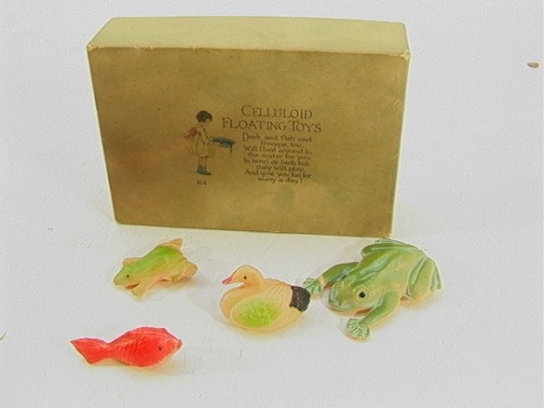 708: Rust Craft Celluloid Floating duck fish  Froggie N