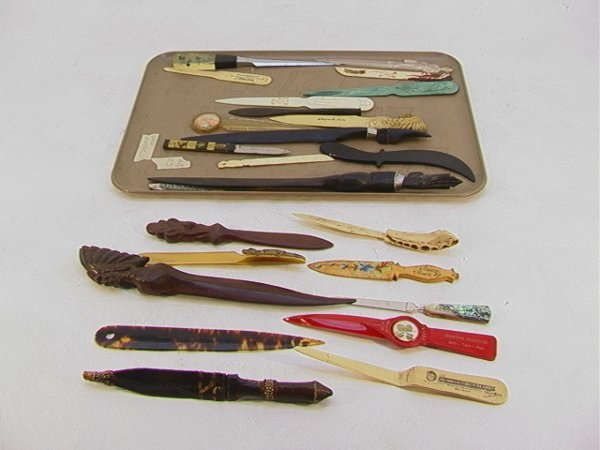 4: 25 pc Lot Letter openers inc carved wood, plastic. F
