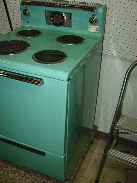 829: General Electric Turquoise Enamel Stove Vintage C. - 2