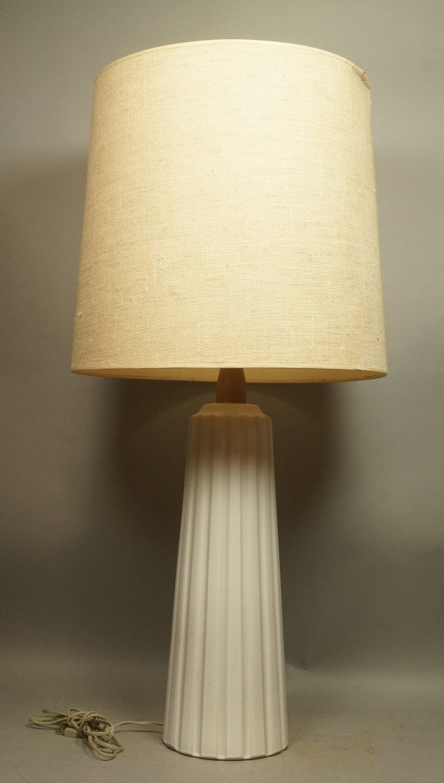 MARTZ Pottery Table Lamp. Fluted Column in whitis