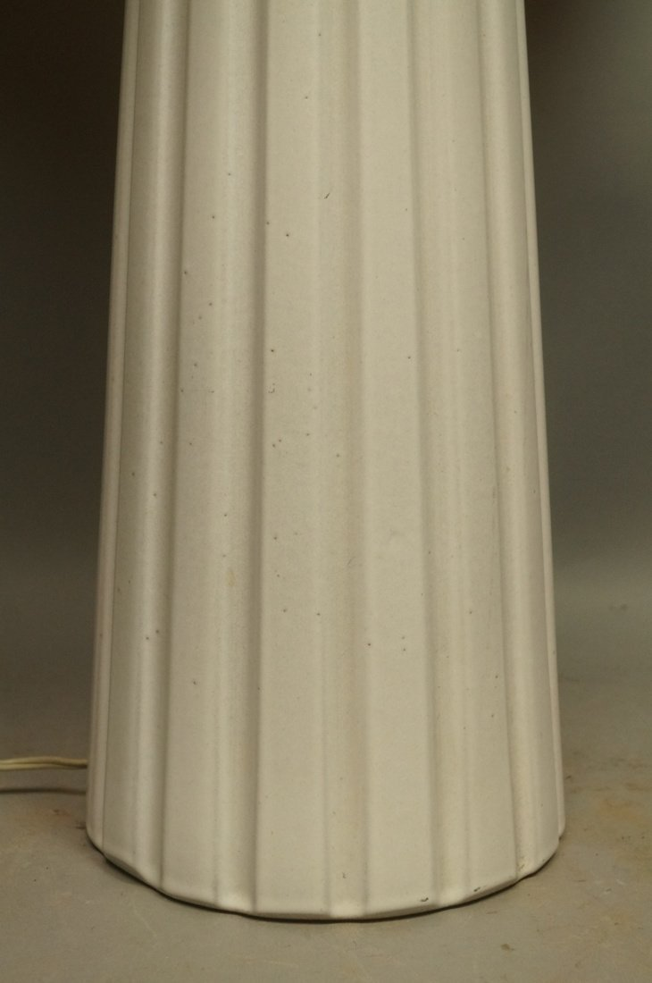 MARTZ Pottery Table Lamp. Fluted Column in whitis - 5