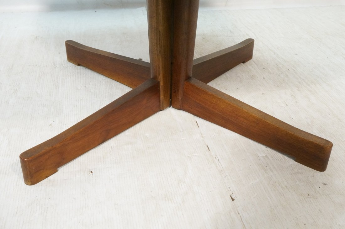 Danish Modern Teak Dining Table. Round Top on Ped - 4