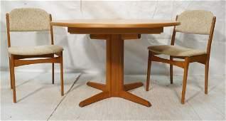 SKOVMAND & ANDERSEN Danish Teak Pedestal Dining T
