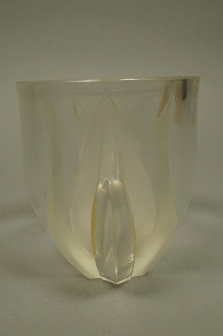 LALIQUE French Crystal Tulip Vase. Clear glass wi - 5