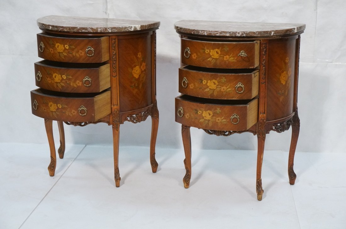 Pr Marble Top End Tables Night Stands. Demi lune - 2