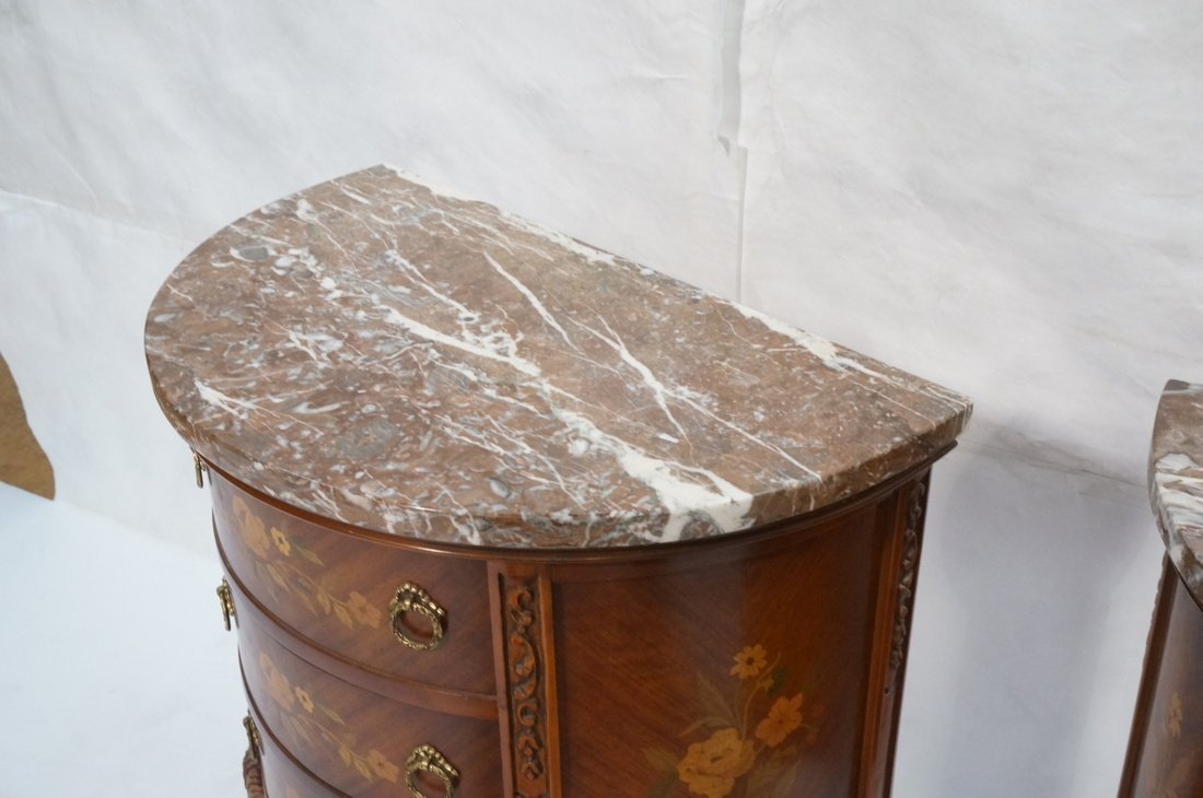 Pr Marble Top End Tables Night Stands. Demi lune - 9