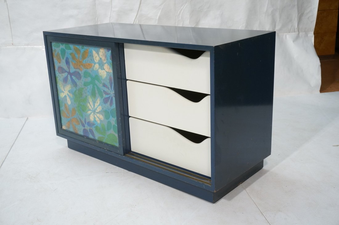 Probber Blue Lacquered Modernist Cabinet. Two sli - 2