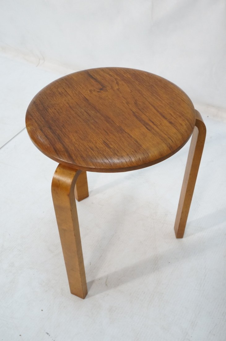 Set 3 Swedish Round Stacking Tables. Alvar Aalto - 2