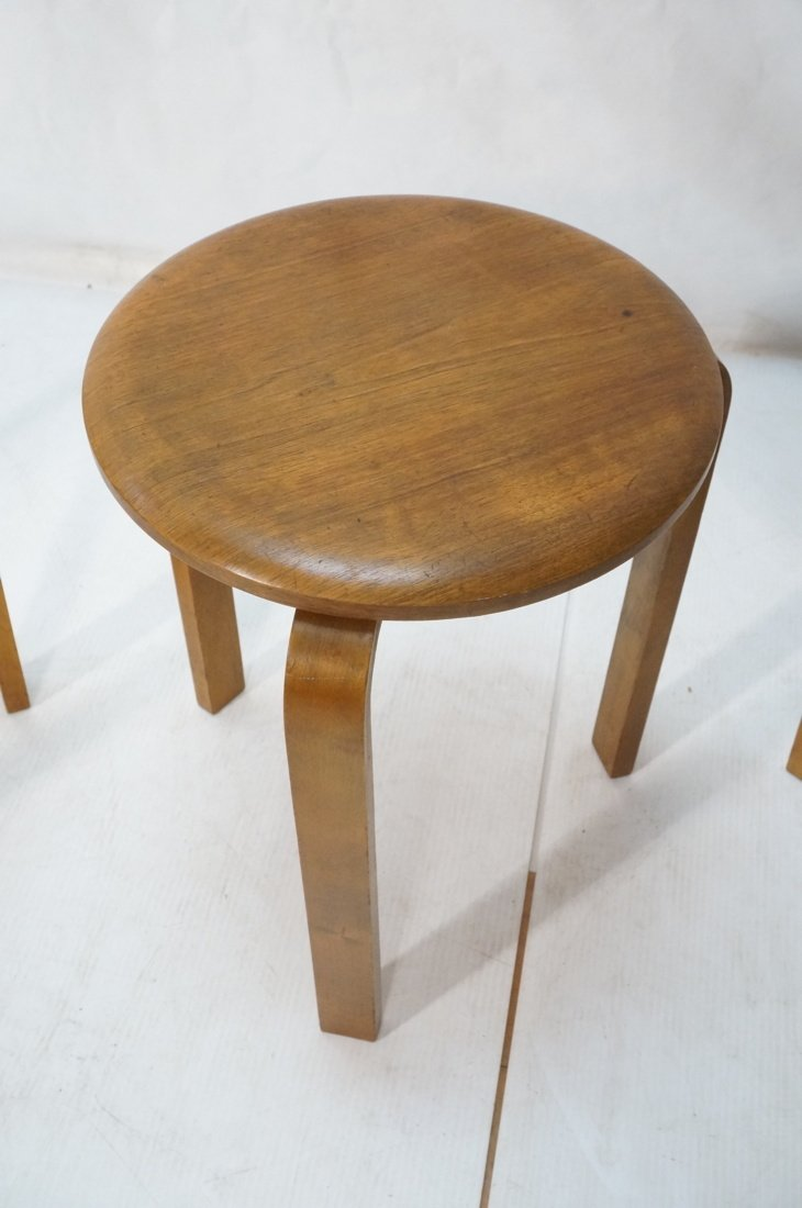 Set 3 Swedish Round Stacking Tables. Alvar Aalto - 3