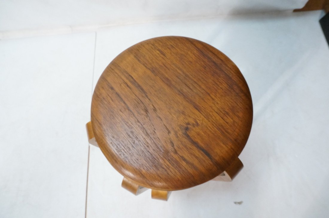 Set 3 Swedish Round Stacking Tables. Alvar Aalto - 7