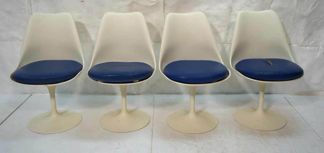 Set 4 KNOLL Eero SAARINEN Tulip Dining Chairs. Wh