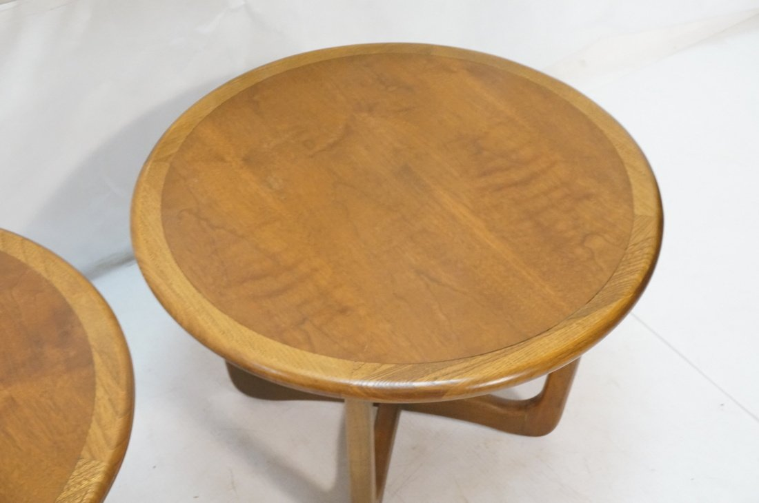 Pr LANE Round End Tables. Banded tops on open for - 3