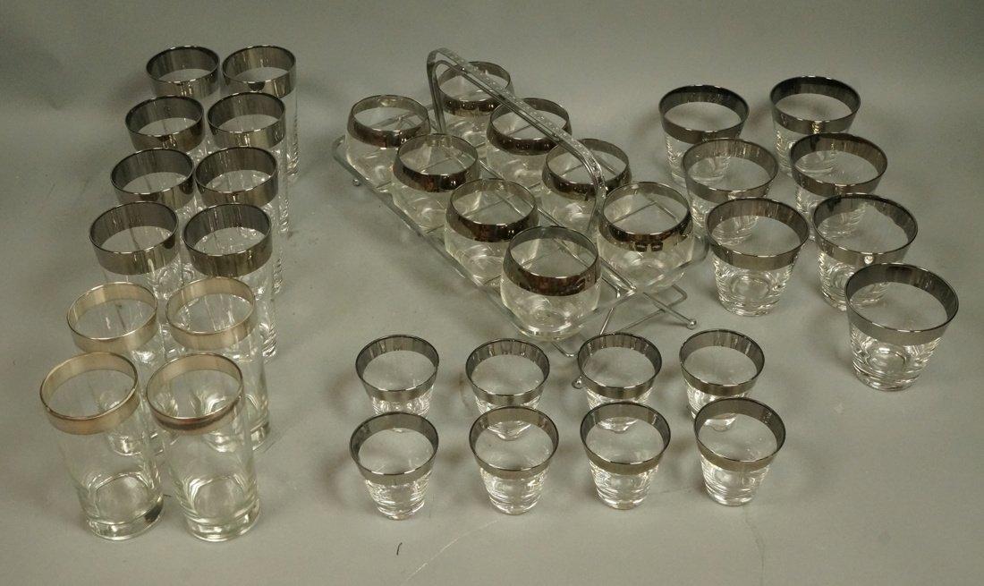 Lot 35 Dorothy Thorpe Silver Rim Clear Drinking G