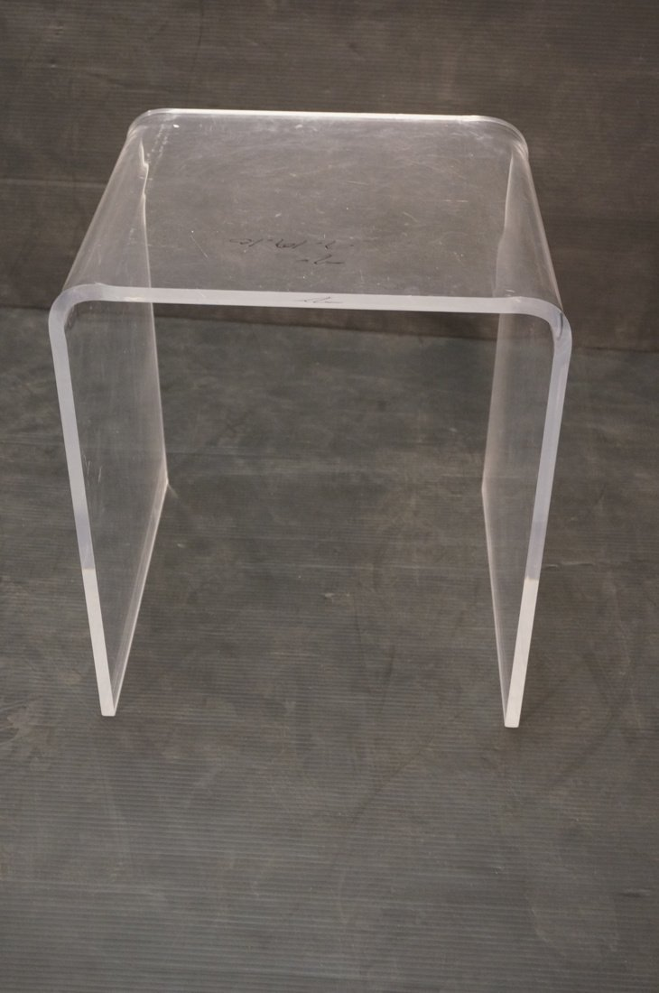 Molded Lucite Side Table. Small - 4